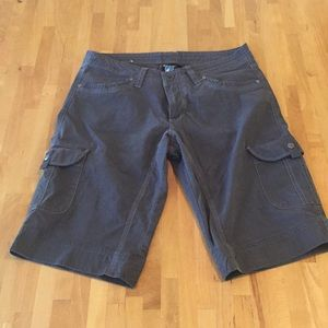 Like New Kuhl Knee Length Cargo Type Short Size 8